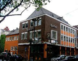 Zentrumsnah: Hostel am Rheinauhafen